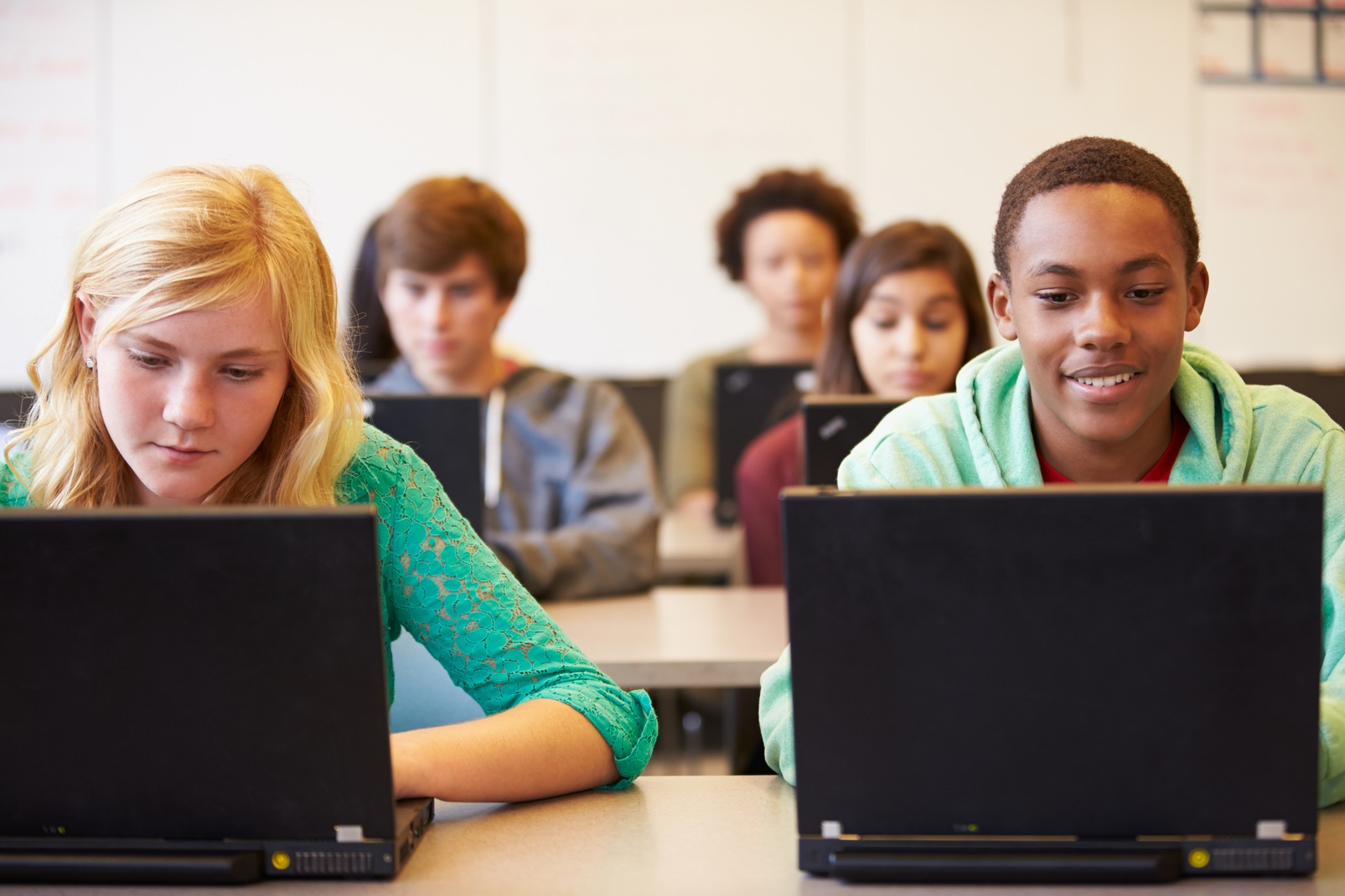 online school for high school students Online high school is a great option for students and families who desire a bit more flexibility than can be offered in a traditional brick-and-mortar setting the tuition-free k12-powered public high school courses are taught by state-certified teachers, and students earn a high school diploma upon graduation.